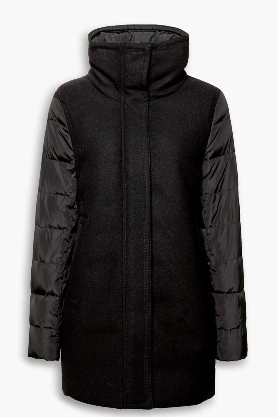 Ultra trendy, with high-performance features: RDS certified down coat in a combination of materials