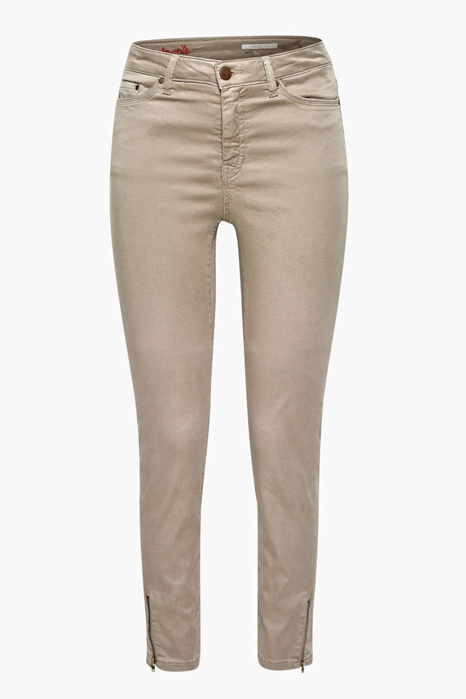 Provides maximum comfort and softness: ankle-length trousers with hem zips, made of premium fabric