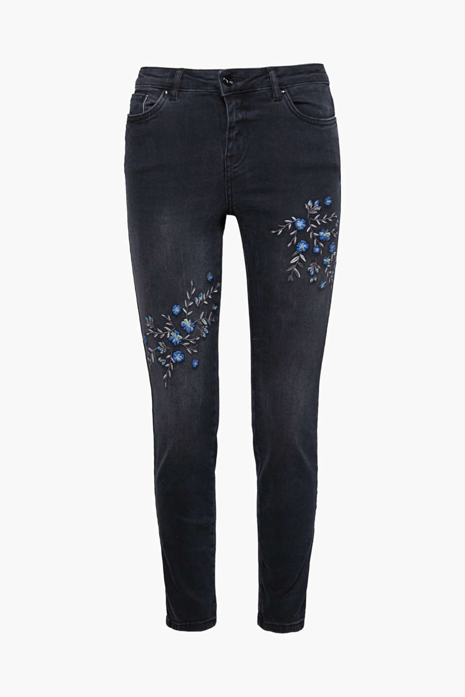 The bold floral embroidery on both legs transforms these jeans into a pretty pair you will love to wear.