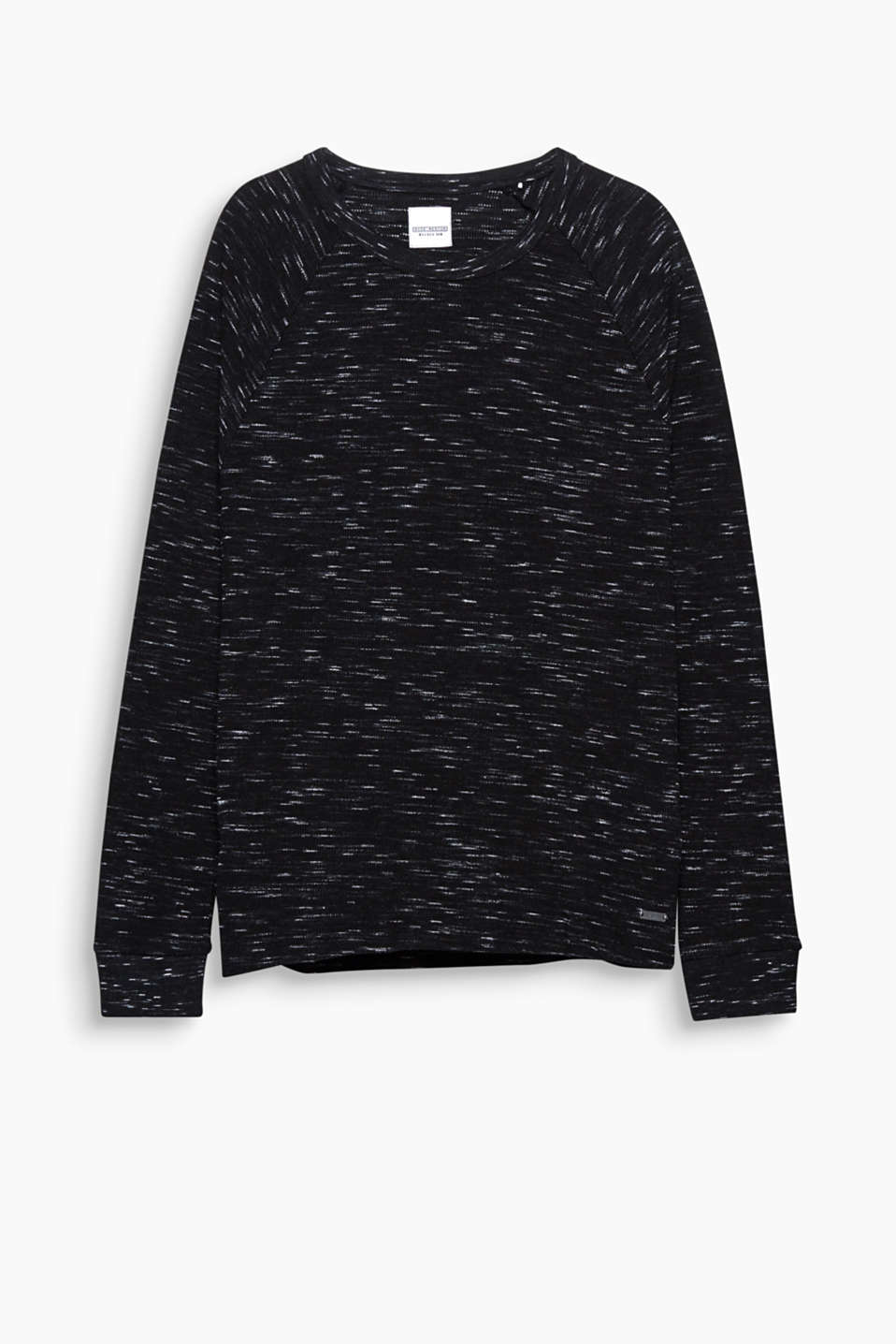 An urban basic! The slub effect and waffle texture make this long sleeve top with raglan sleeves a favourite