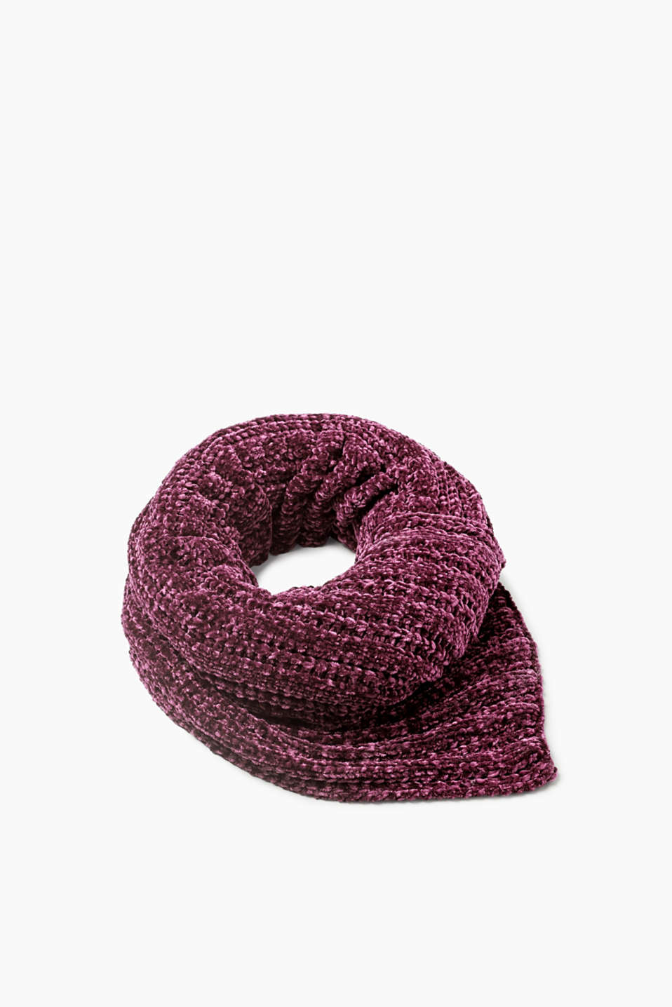 For your cool vintage style: chenille is back!