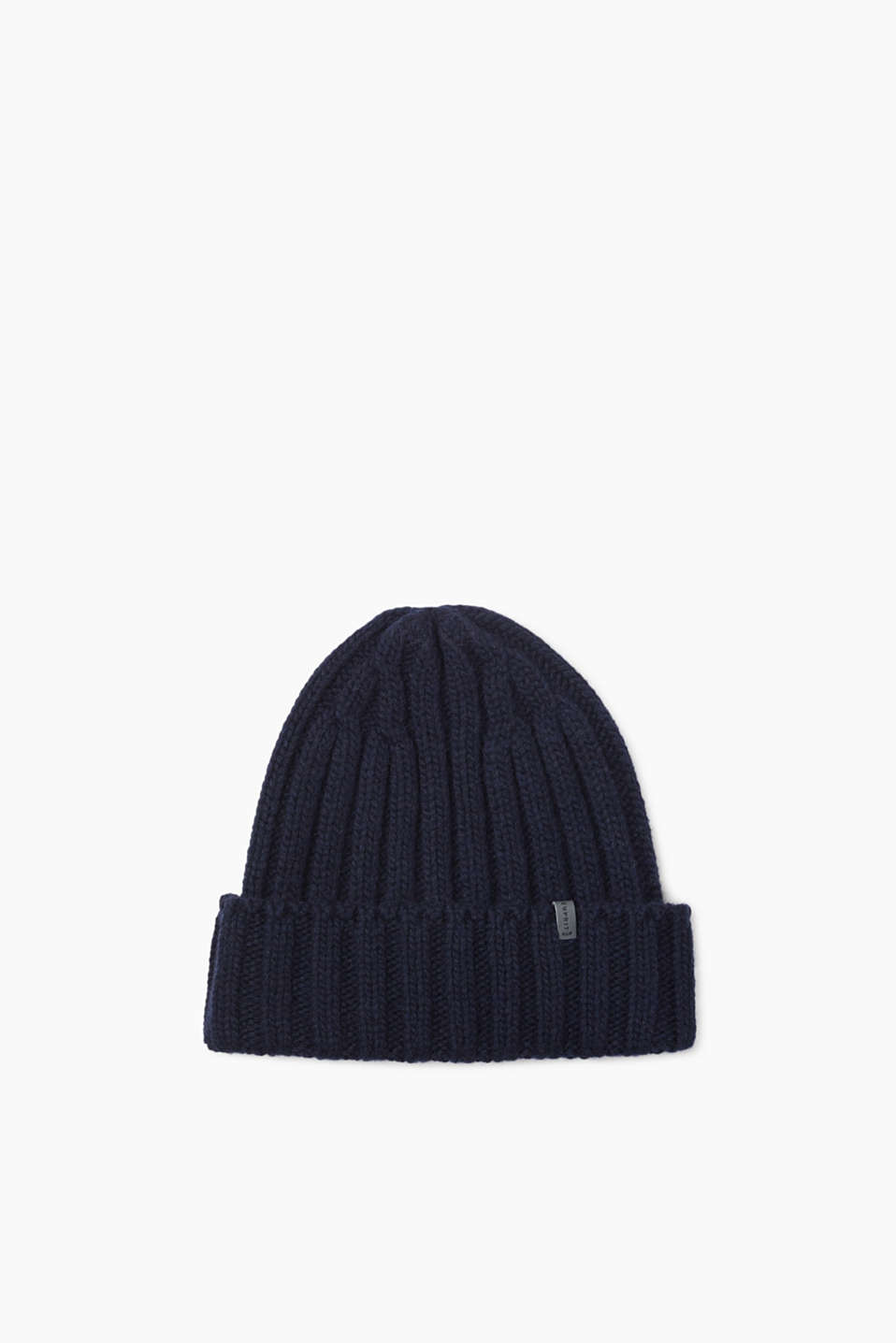 With this warm knit beanie with a percentage of wool, you will be perfectly dressed for any type of weather!