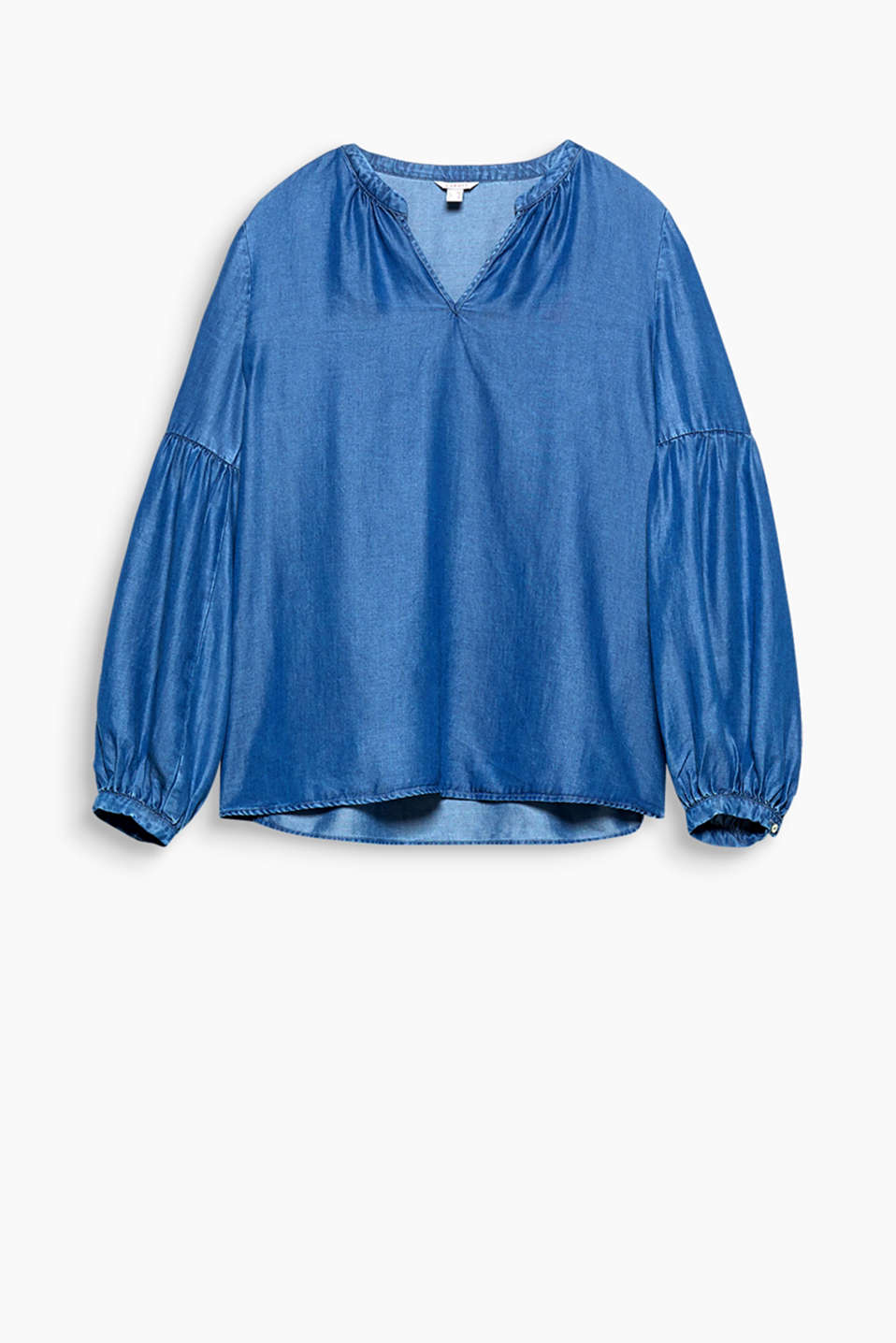 This flowing lyocell blouse is a feminine denim piece that will enchant you with its fashionable balloon sleeves!