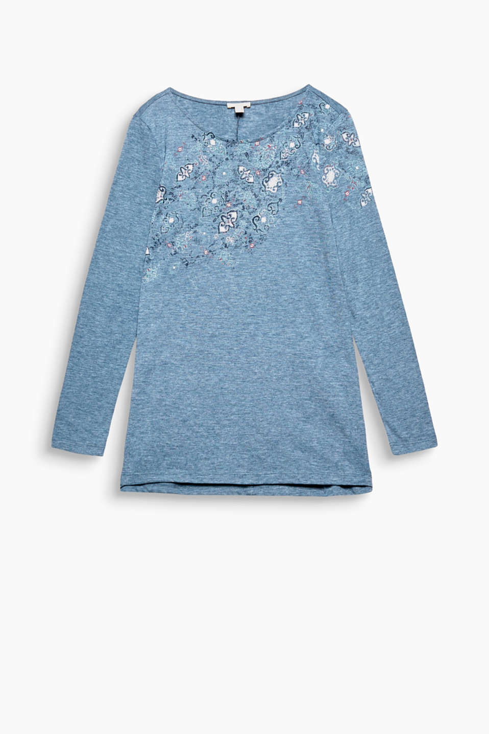 This soft and light, long sleeve slub top with a shiny foil print radiates a flicker of glamour!