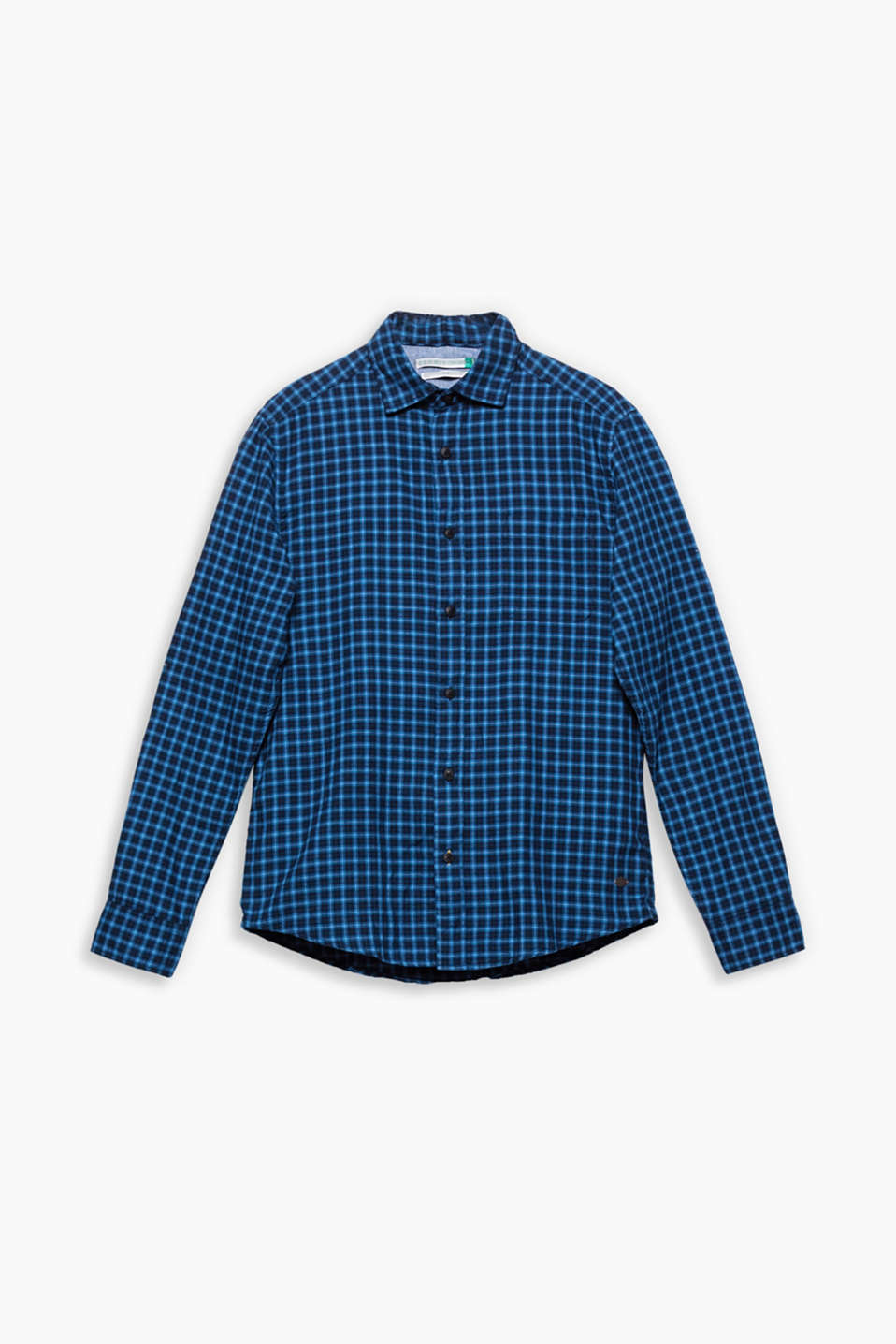 For rustic country looks or casual grunge style: the small check pattern gives this shirt its cool look.