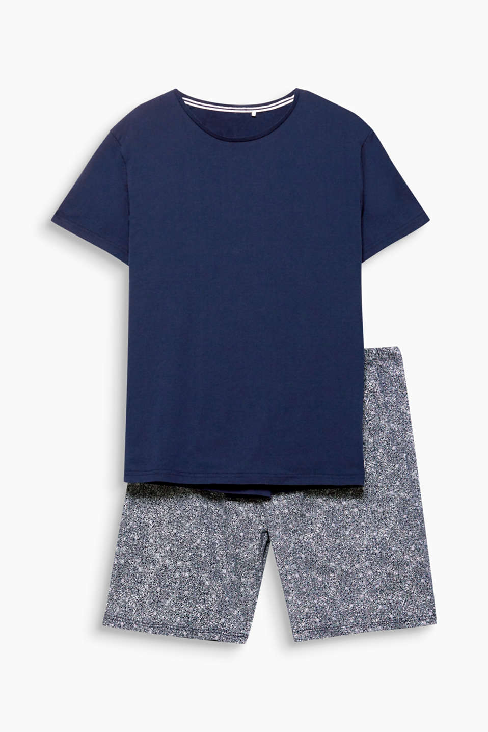 These jersey pyjamas with a plain basic T-shirt top and patterned Bermuda shorts are casual and comfortable to wear!