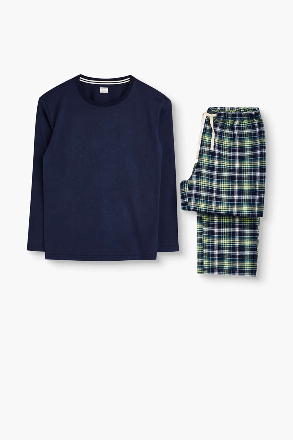 These pyjamas in jersey and checked flannel are incredibly comfortable and especially soft on the skin.