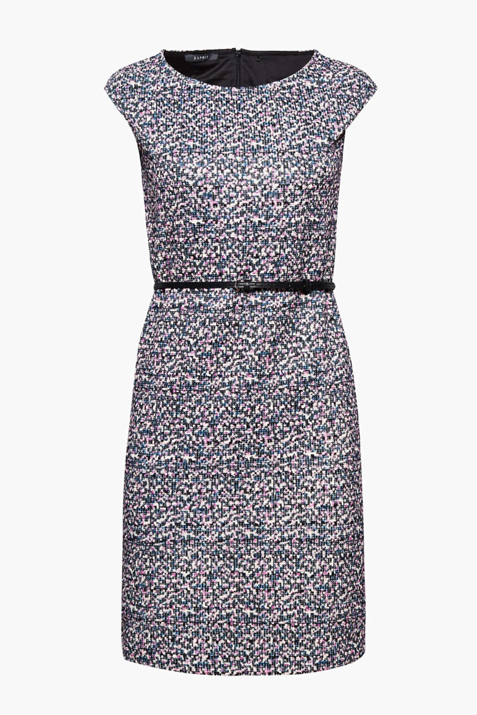 An eye-catching piece for your business or cocktail look! Shift dress with a 3D texture and a delicate shimmer
