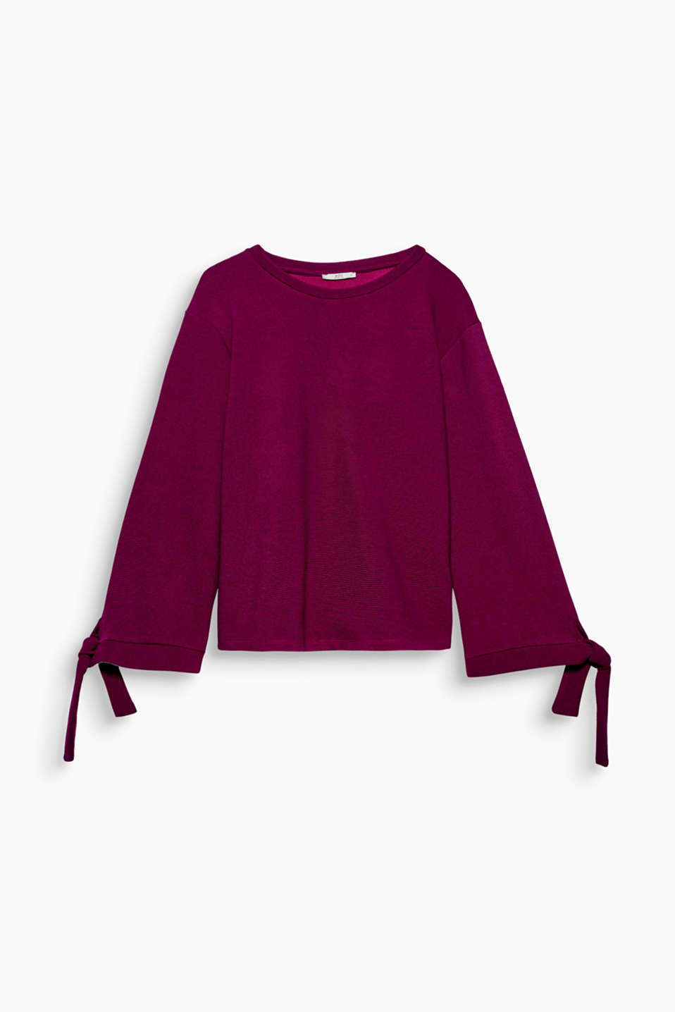 The flared sleeves with tie-up cuffs give this ribbed sweatshirt a super fashionable twist.
