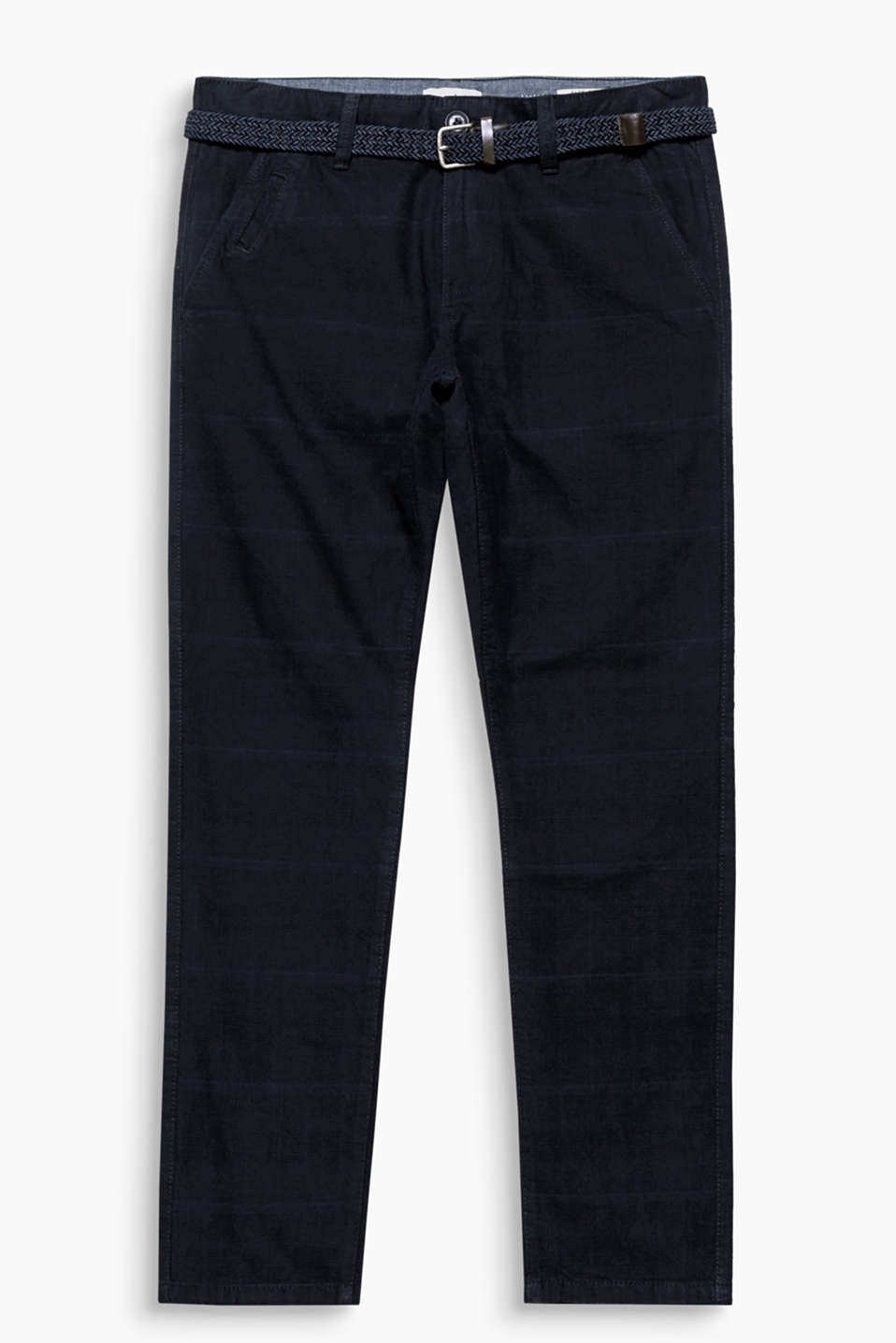 A casual fashion basic! These chinos impress with a fine check pattern and narrow woven belt.