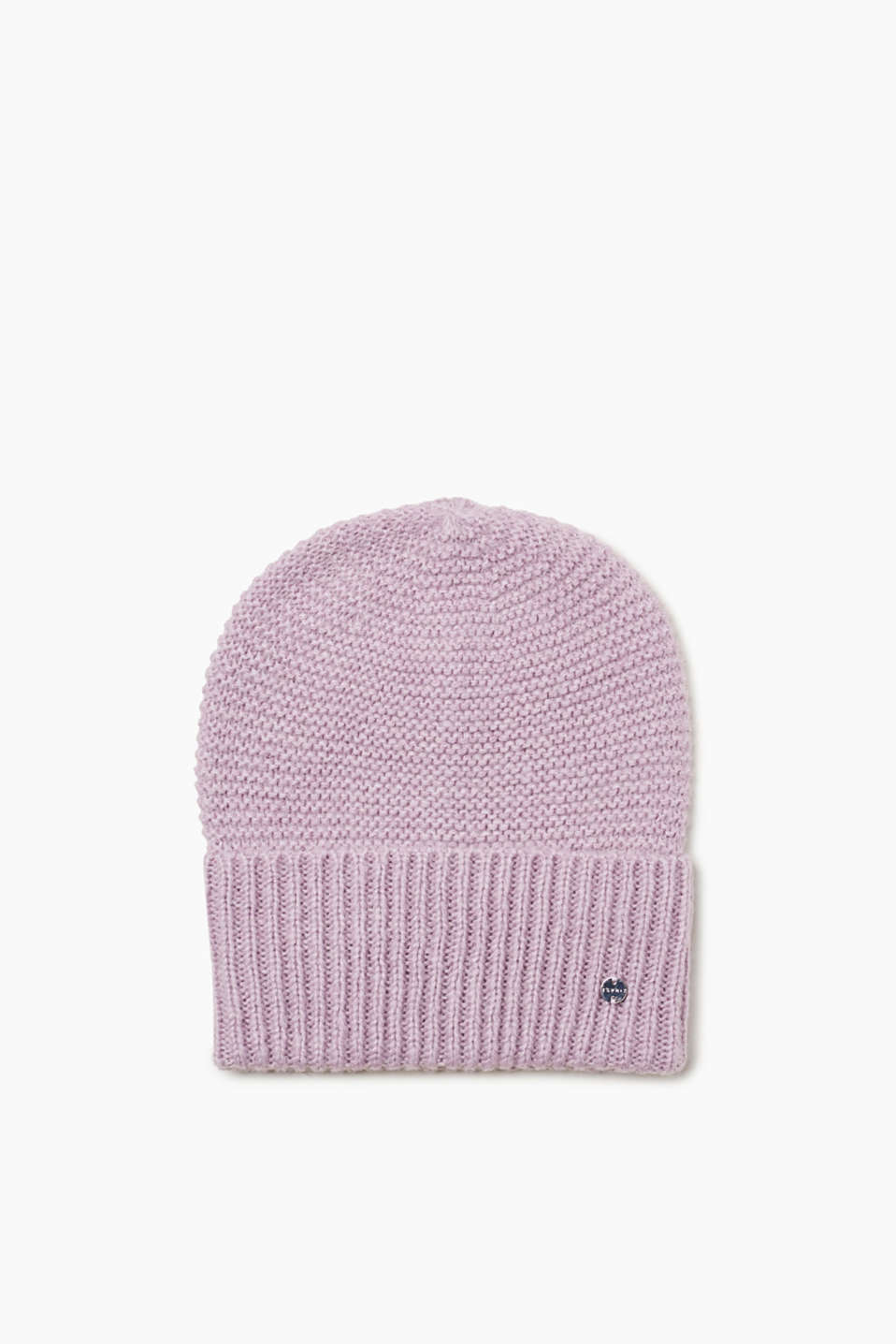 We love knitwear! This beanie impresses with its striking knitted pattern and super-soft material.