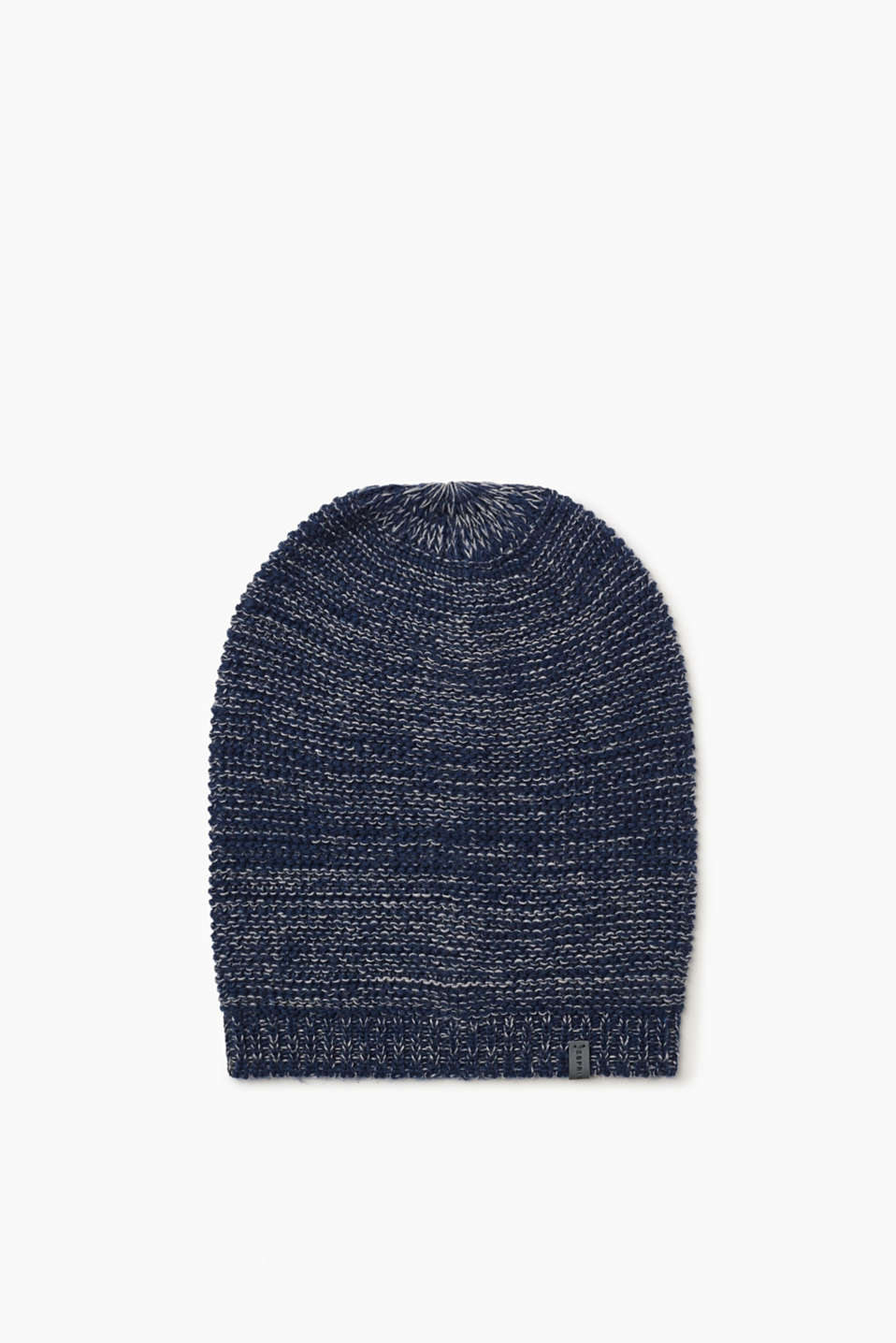 We love knitwear! This bi-colour, blended wool beanie knit in airy garter stitch is no exception.
