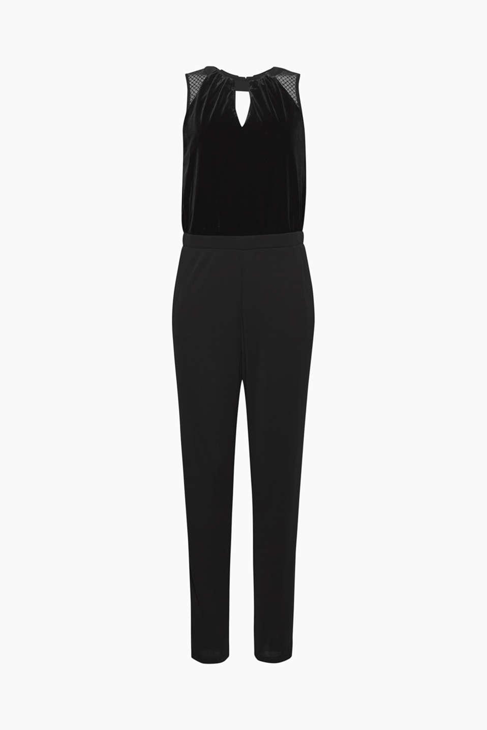 Ob partylike oder anlassbezogen: Dieser Jumpsuit aus Samt, Jersey und Spitze ist die Top-Alternative zum Cocktail-Kleid!