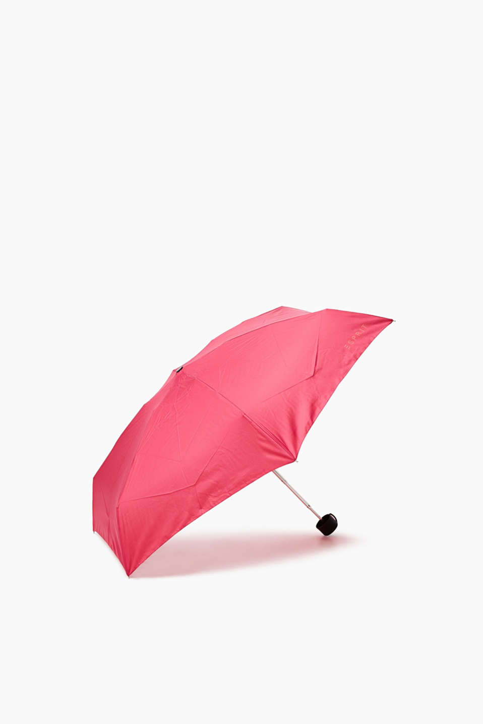 Easy to open and secure: compact pocket umbrella in a handy format
