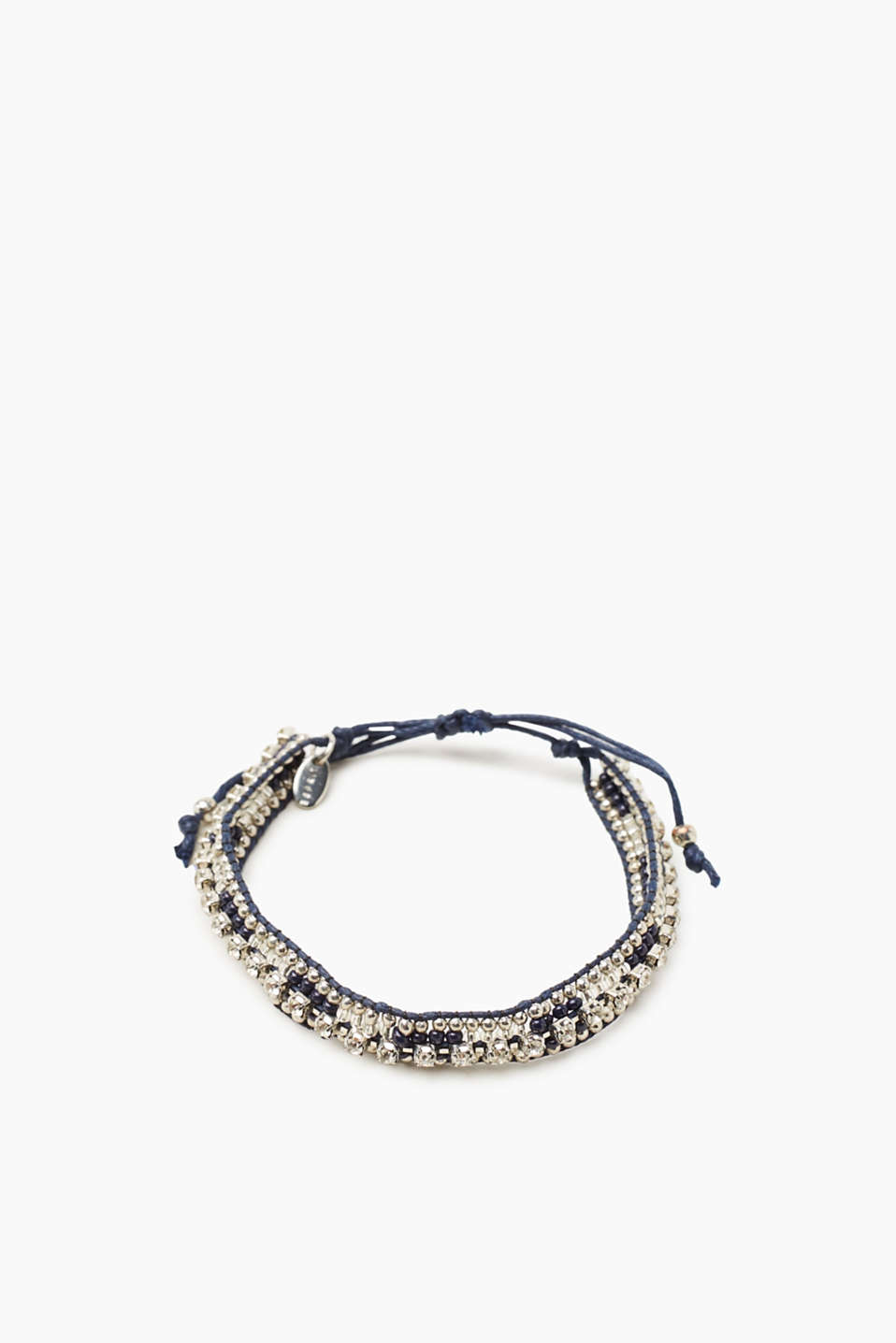 Beads and facet-cut stones! This braided bracelet is a favourite for everyday wear.