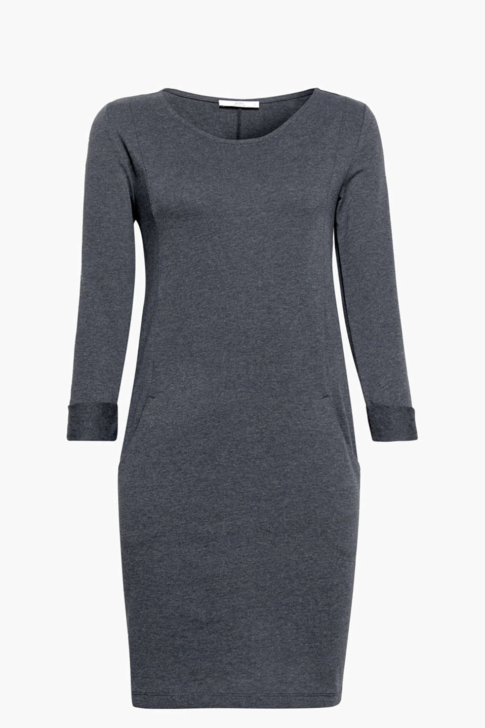 The casually caressing silhouette and soft sweat fabric transform this dress into a perfect, everyday fave!