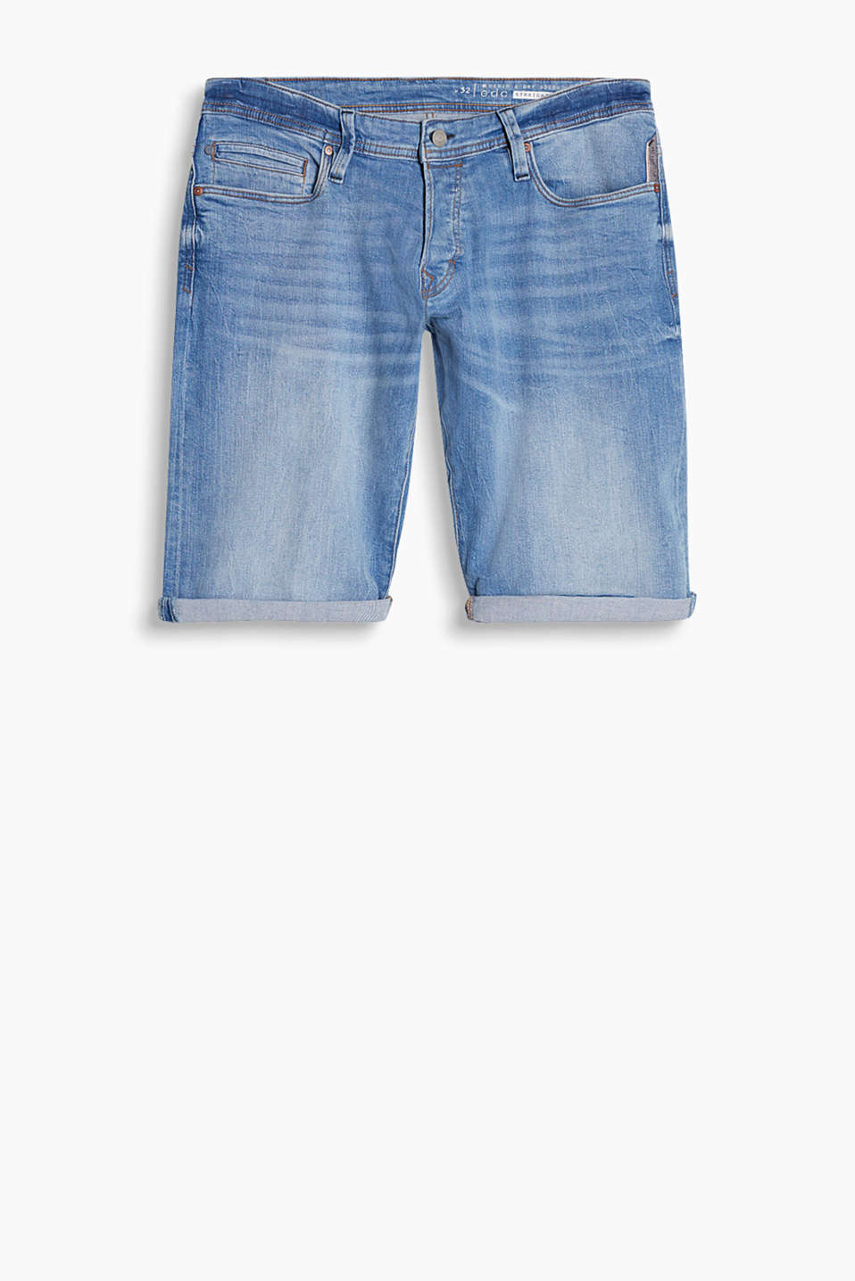 Bermuda shorts in a classic five-pocket style with garment-washed effects