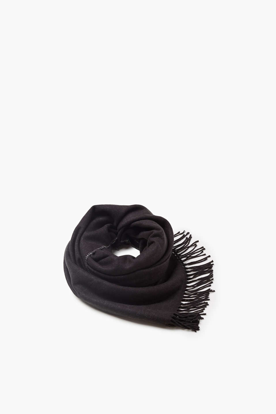 One side of this fluffy, double-faced scarf is lovelier than the other. Choose yourself!