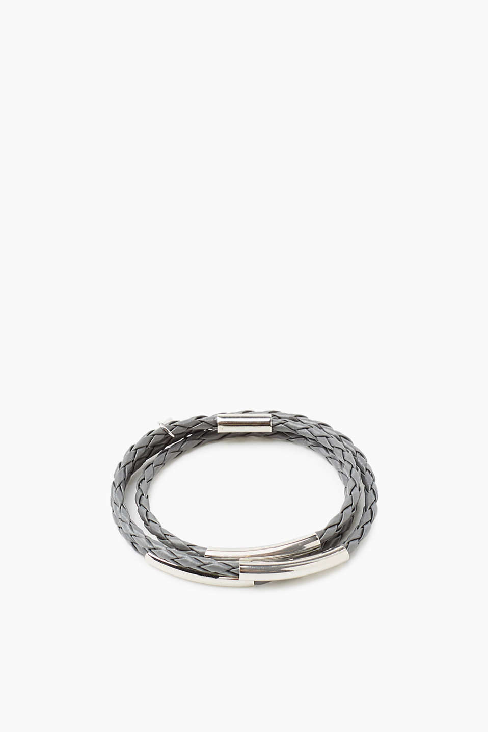 With shiny metal details: three-strand bracelet in braided faux leather