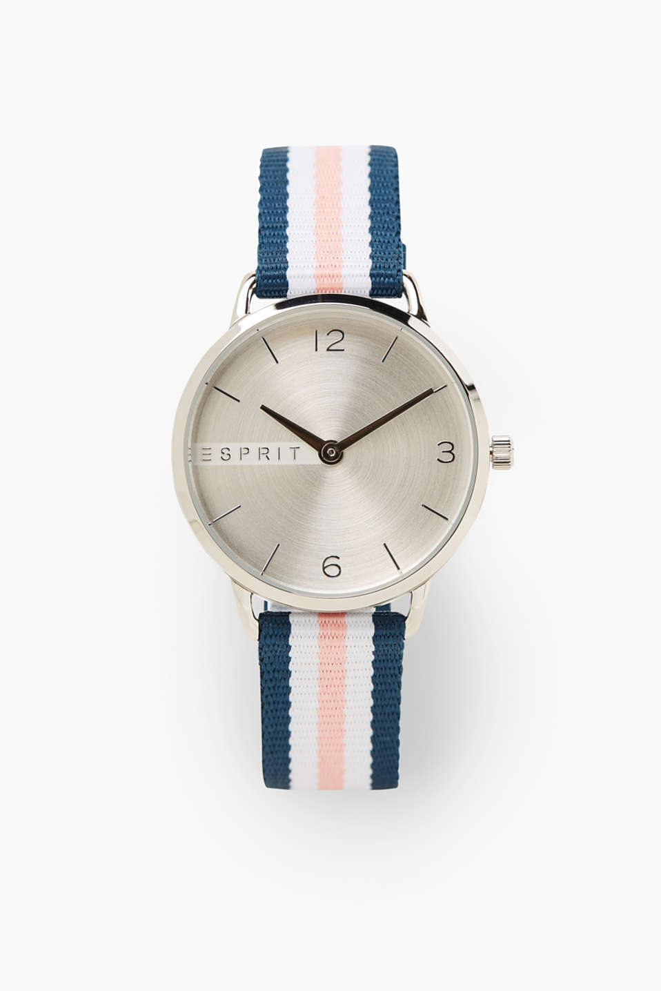 Modern and nautical! This watch stands out thanks to its striped textile strap