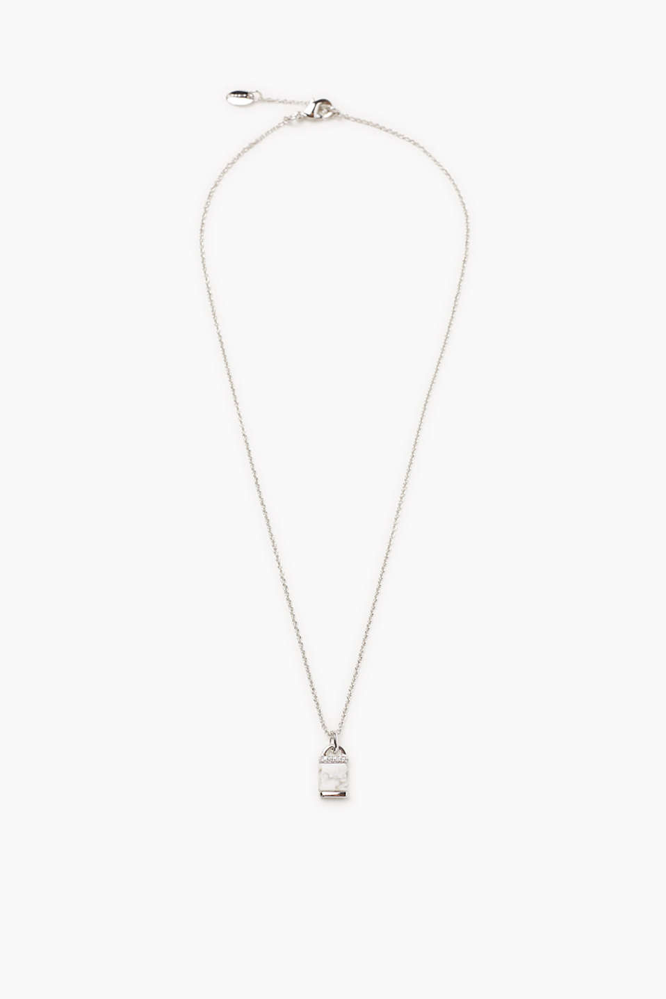 Fine, silver tone link chain with a natural stone in a trendy marble look