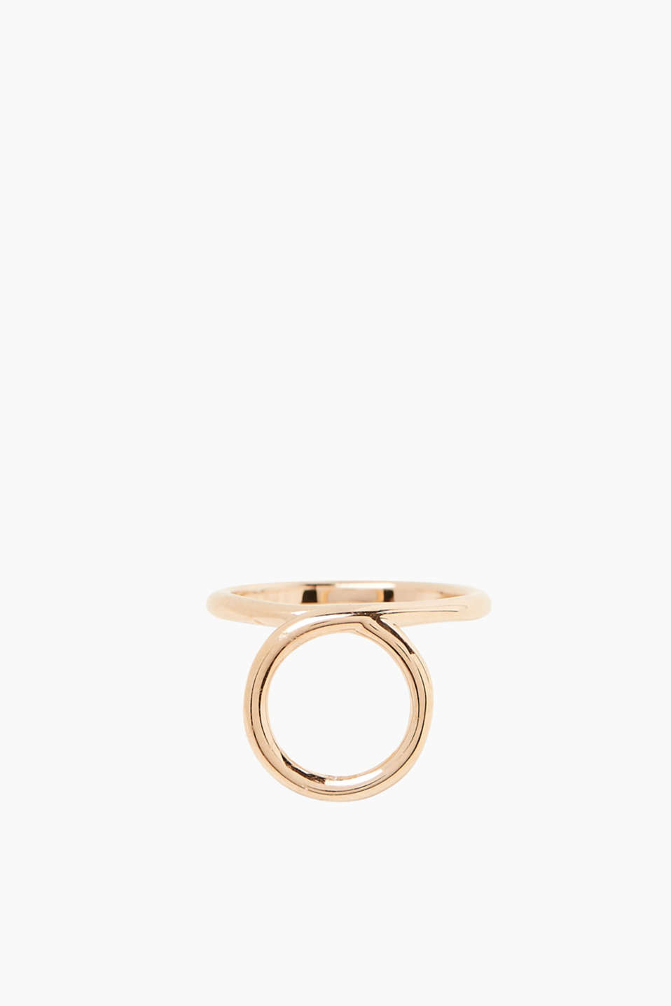We love minimalist designs! This ring features rose gold plating.