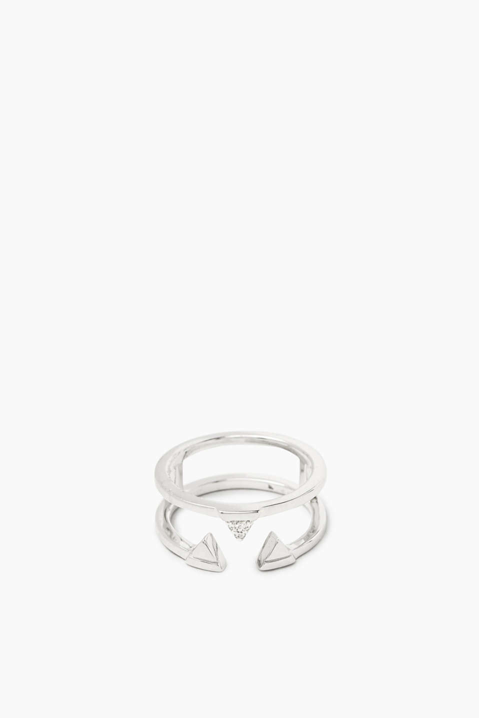 The graphic details and the zirconia trim make this ring a modern accessory.