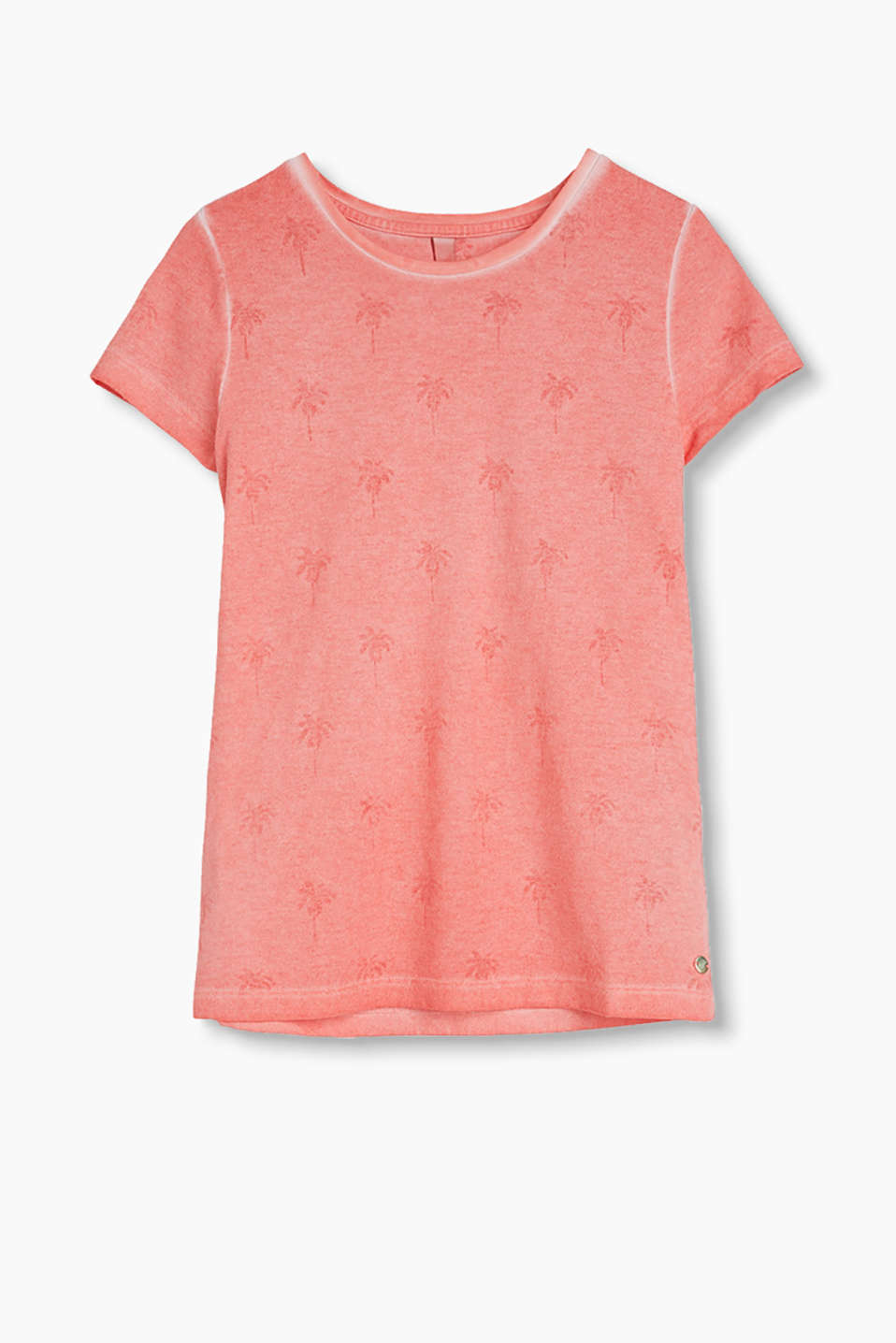 Fresh T-shirt with a palm print and casual, trendy dye