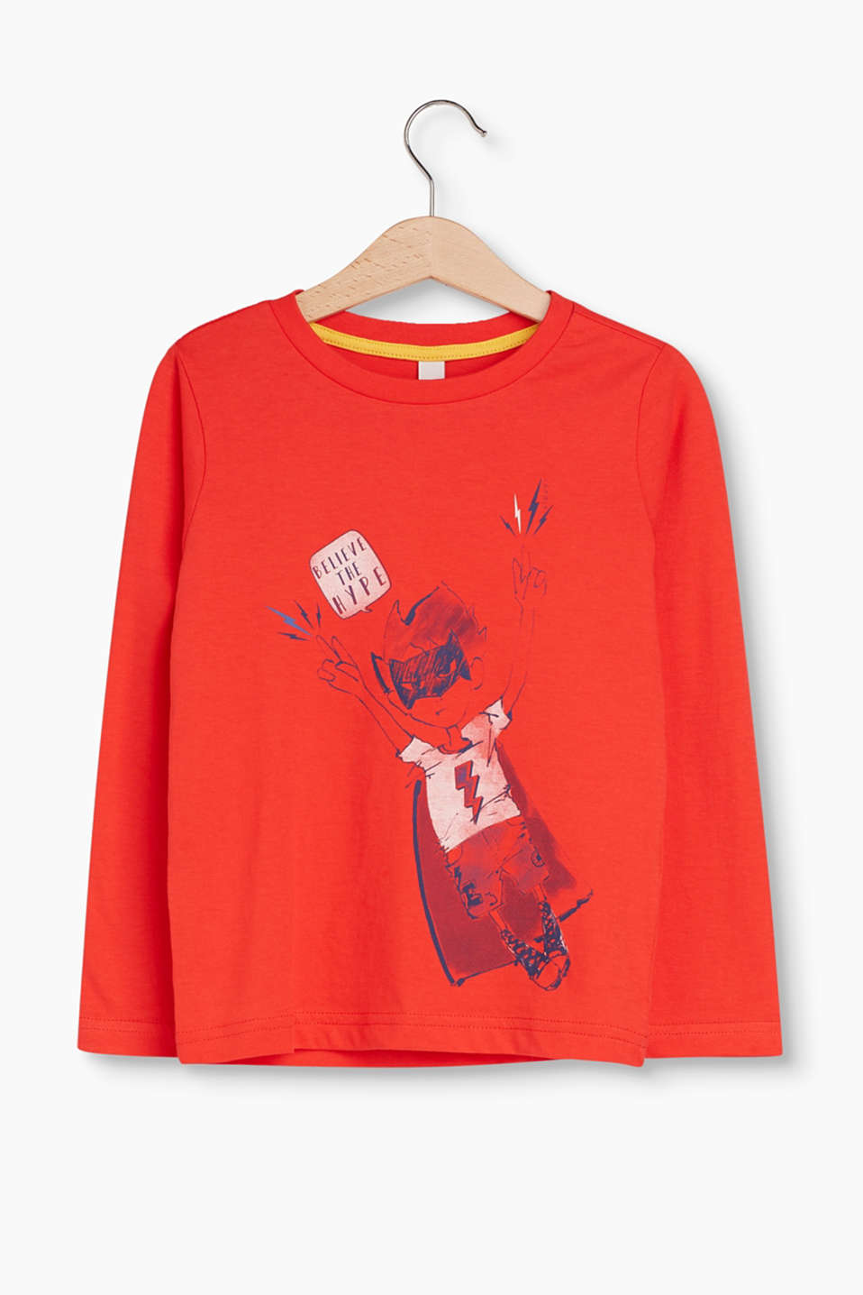 We are Heroes! This long sleeve top with a superhero print is for brave boys
