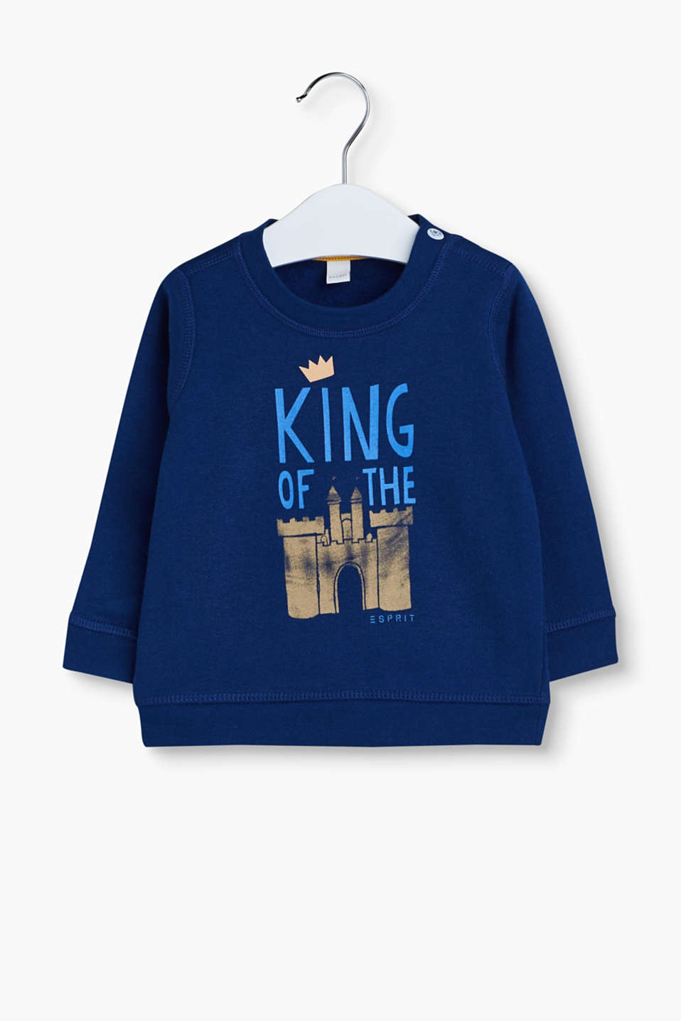 King of the castle! Little boys simply feel absolutely fantastic in this jumper with a castle print.