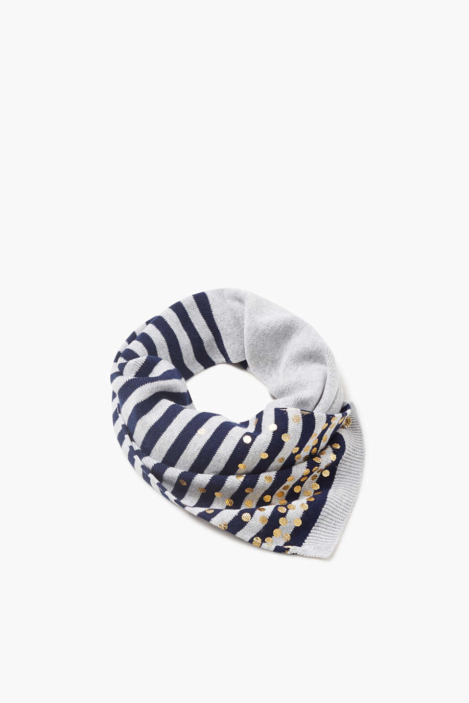 The interplay of stripes and shimmering dots give this scarf its pretty look!