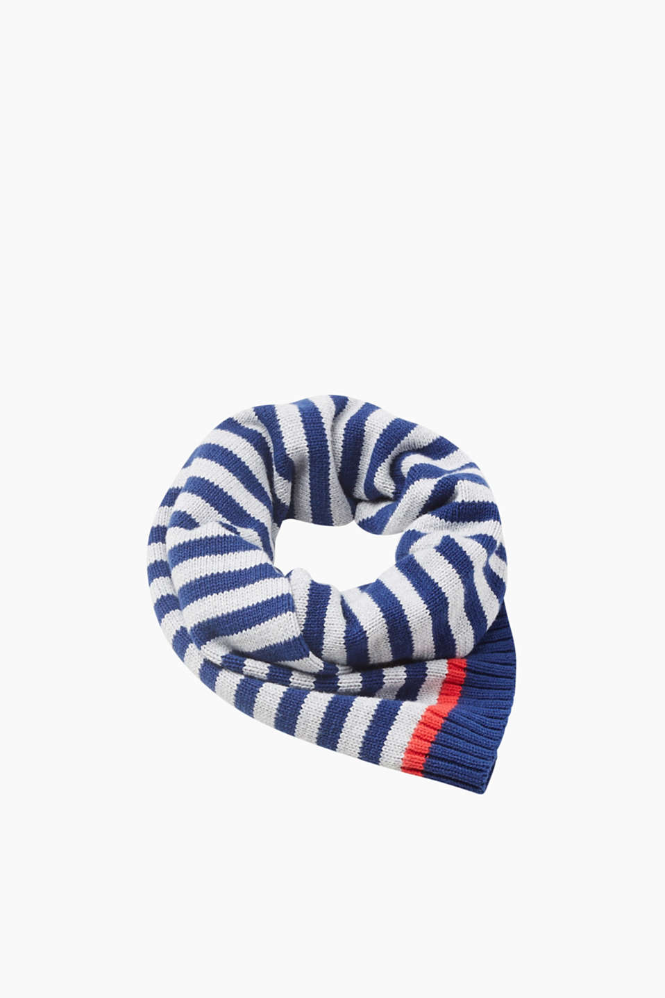The perfect, basic accessory: this striped cotton scarf generates wonderful warmth and feels sensationally soft.