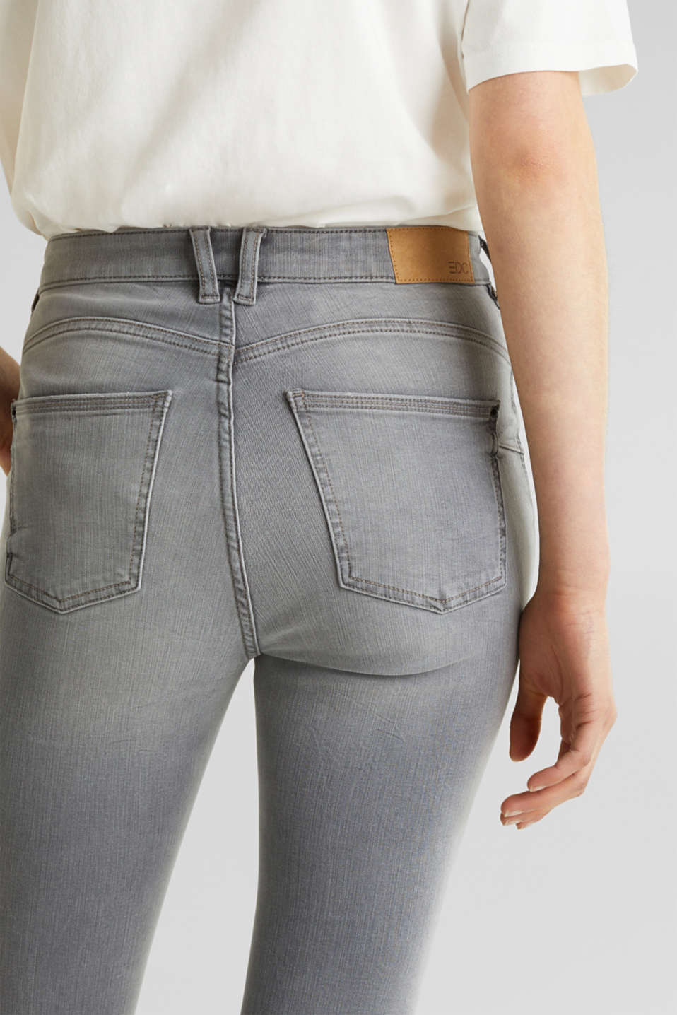 With TENCEL™: Shaping jeans with two-way stretch, GREY LIGHT WASH, detail image number 5