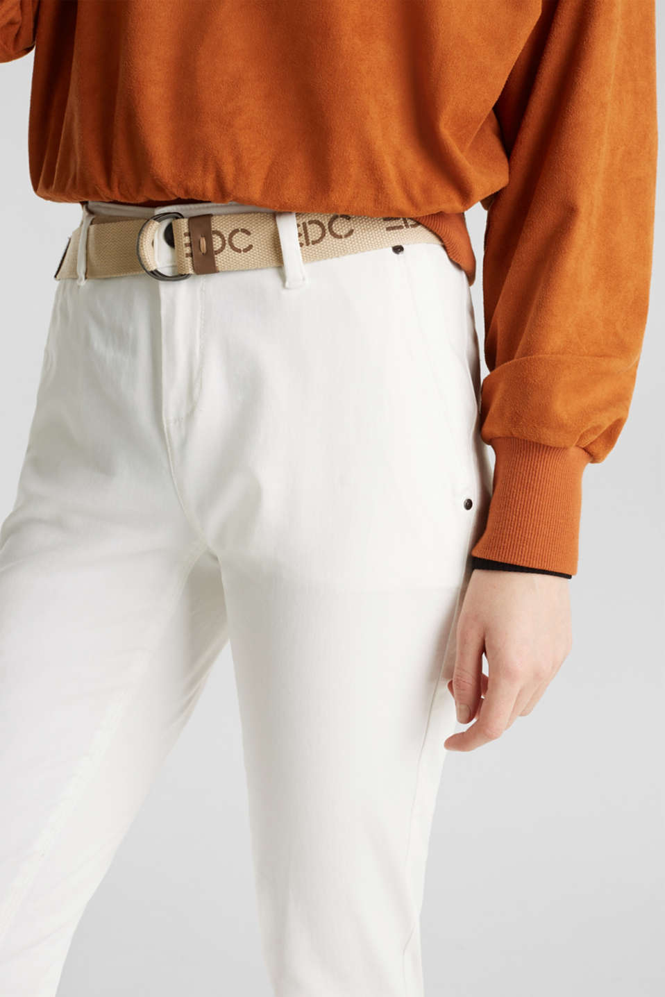 Stretch chinos made of twill with a woven belt, WHITE, detail image number 2
