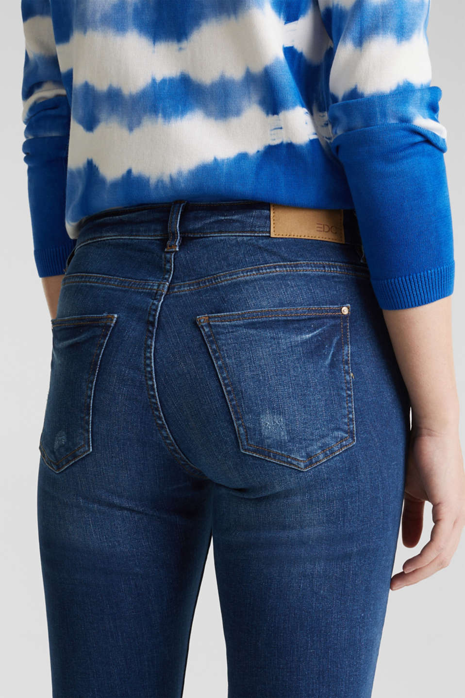 Distressed jeans, BLUE MEDIUM WASH, detail image number 5