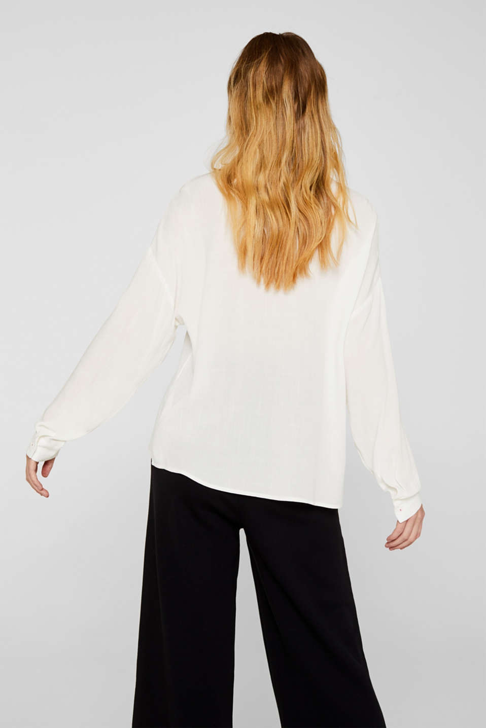 Flowing shirt blouse with a texture, OFF WHITE, detail image number 3