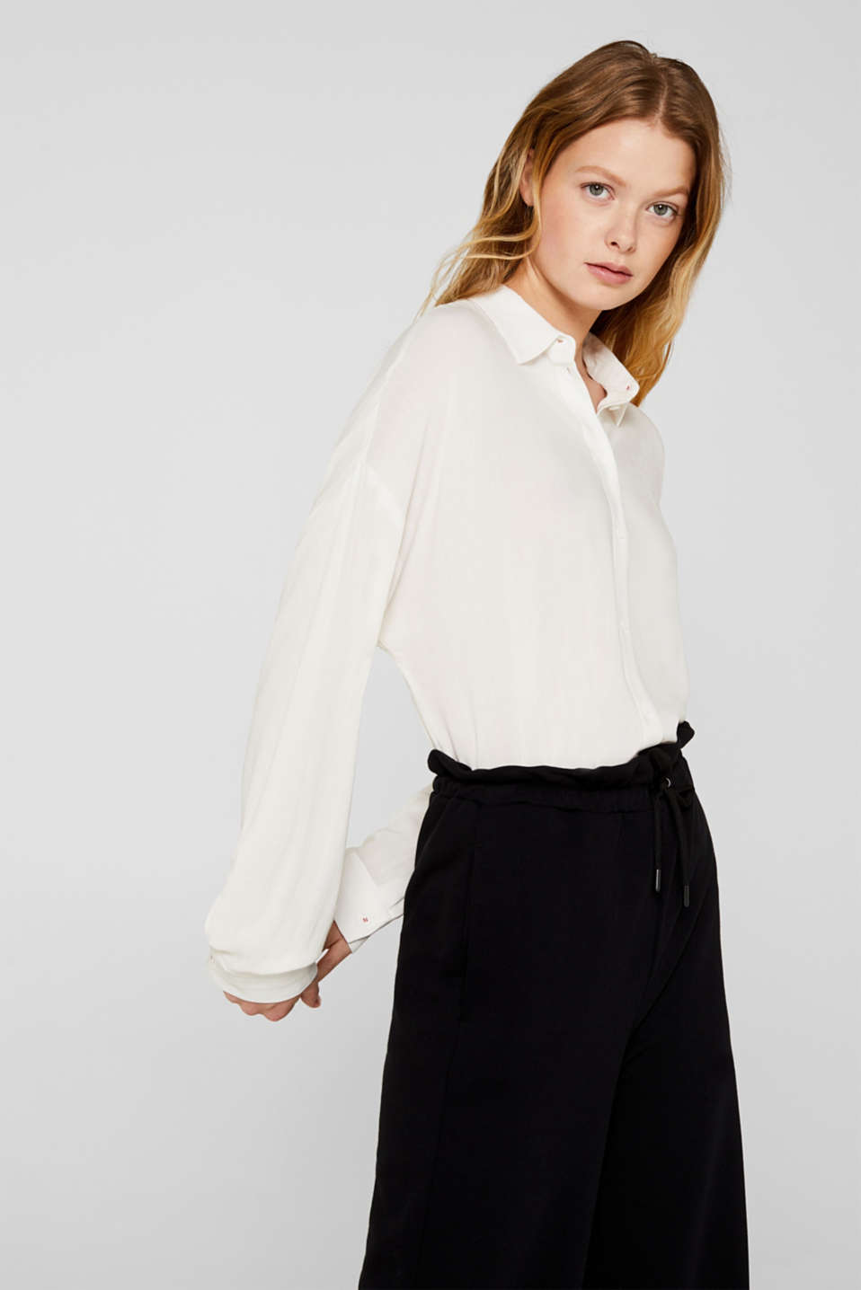Flowing shirt blouse with a texture, OFF WHITE, detail image number 6