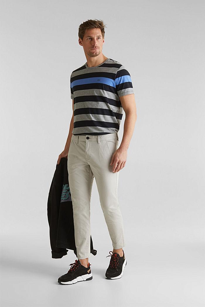 Chino raccourci à teneur en stretch et en coton biologique, LIGHT GREY, detail image number 1