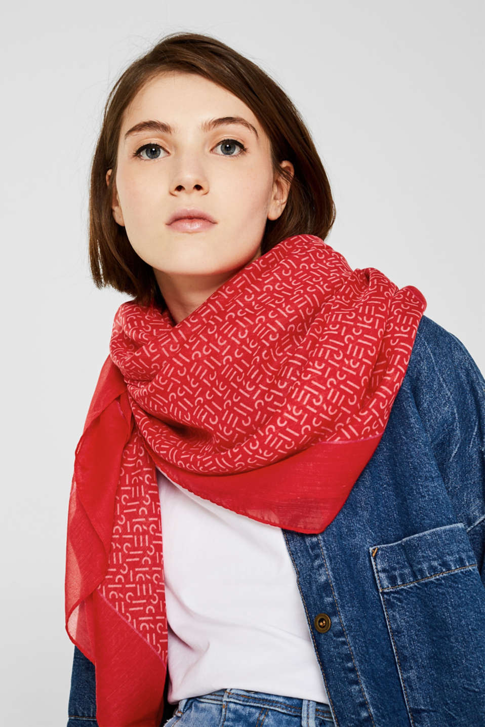 Monogram scarf made of recycled fabric, RED 2, detail image number 1