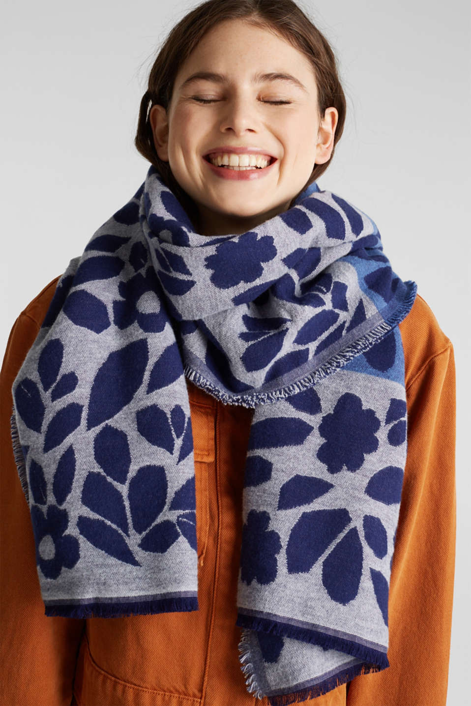 Block stripe scarf with jacquard flowers, NAVY, detail image number 1