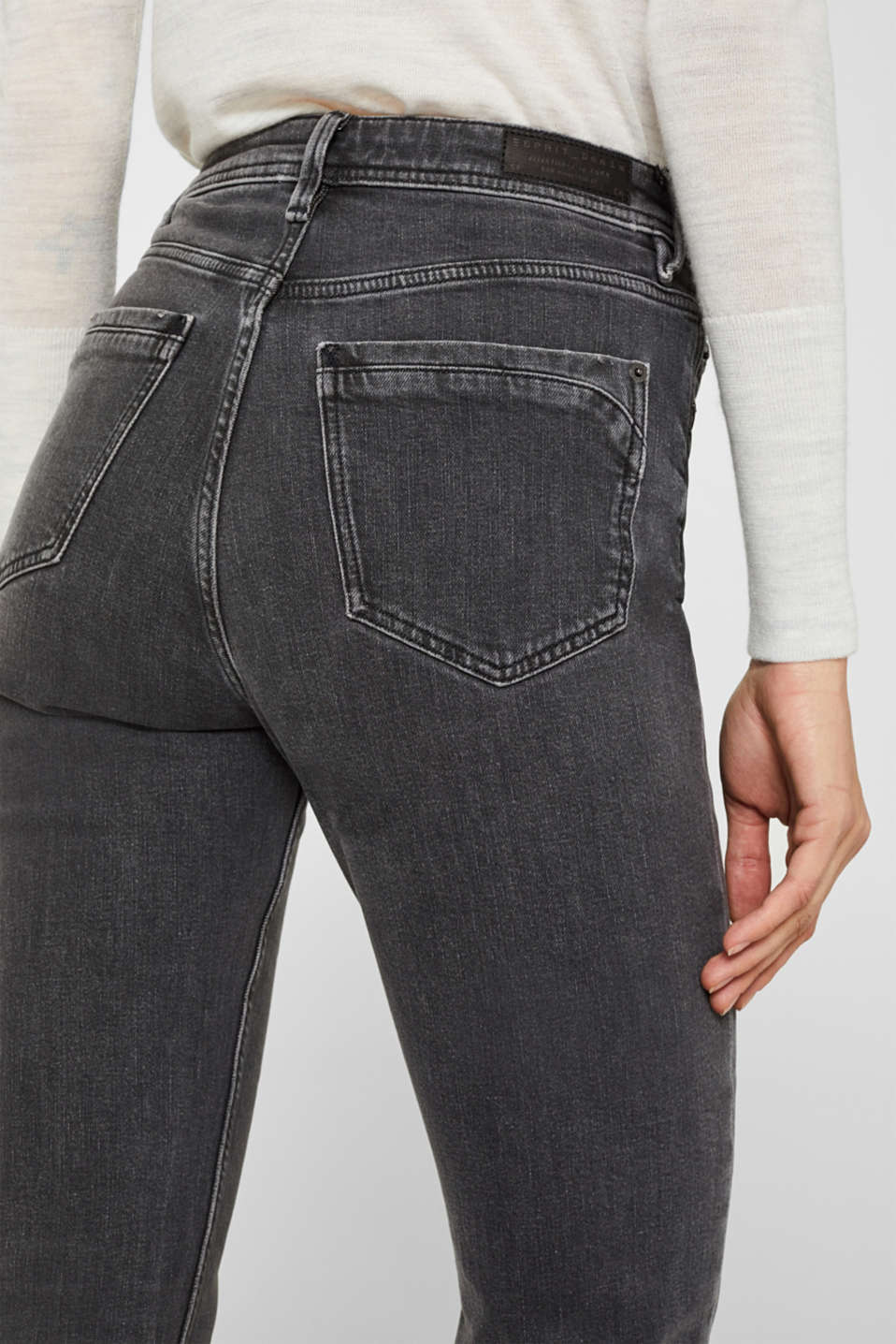 stretch jeans in a new fit, GREY MEDIUM WASH, detail image number 5