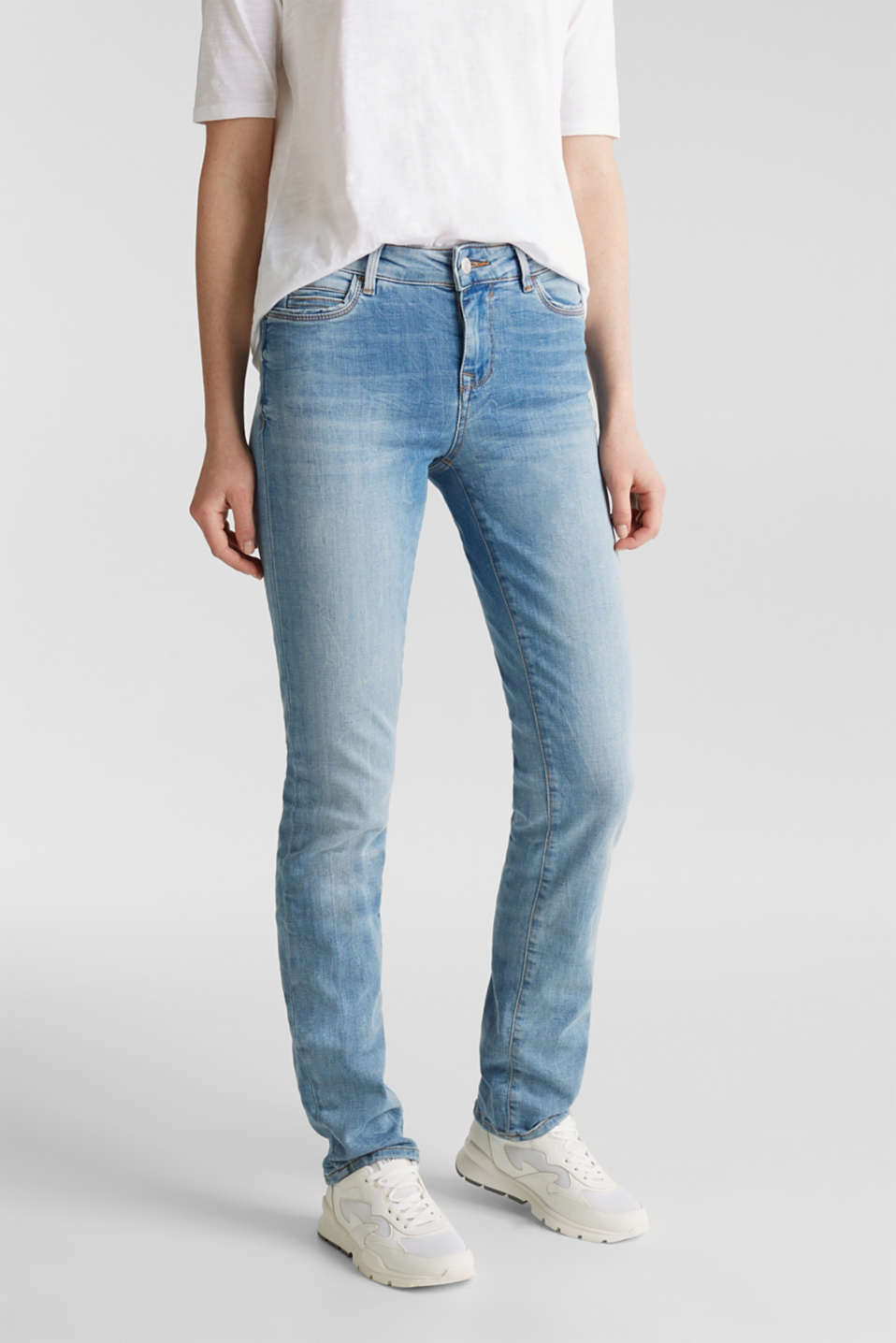 Esprit - Super stretchy jeans in a pale garment wash