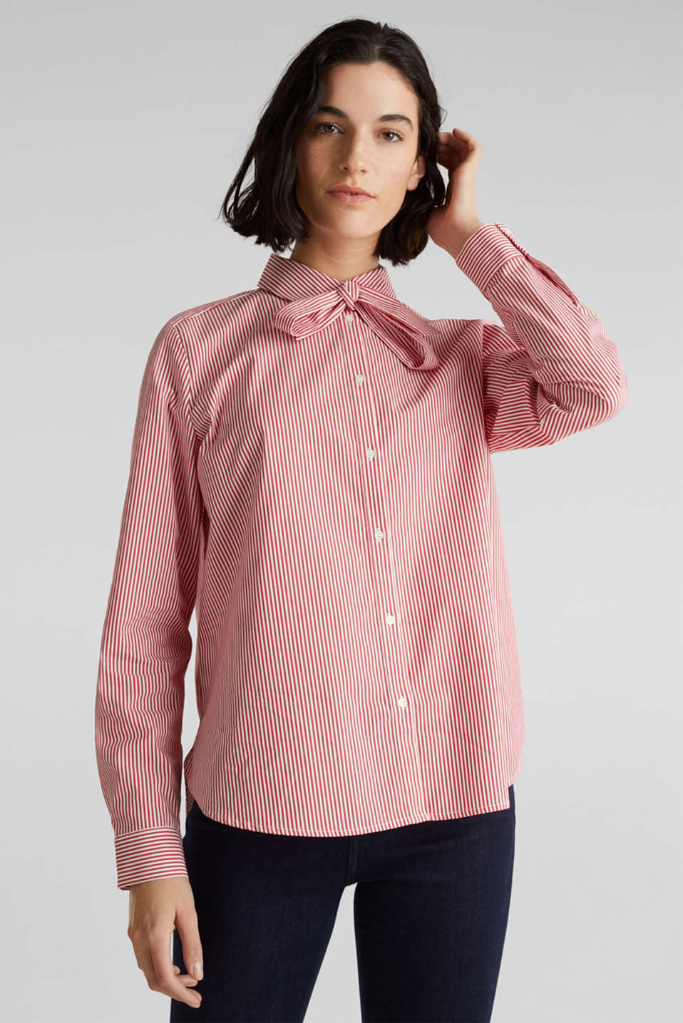 Esprit - Stretch blouse with a pussycat bow