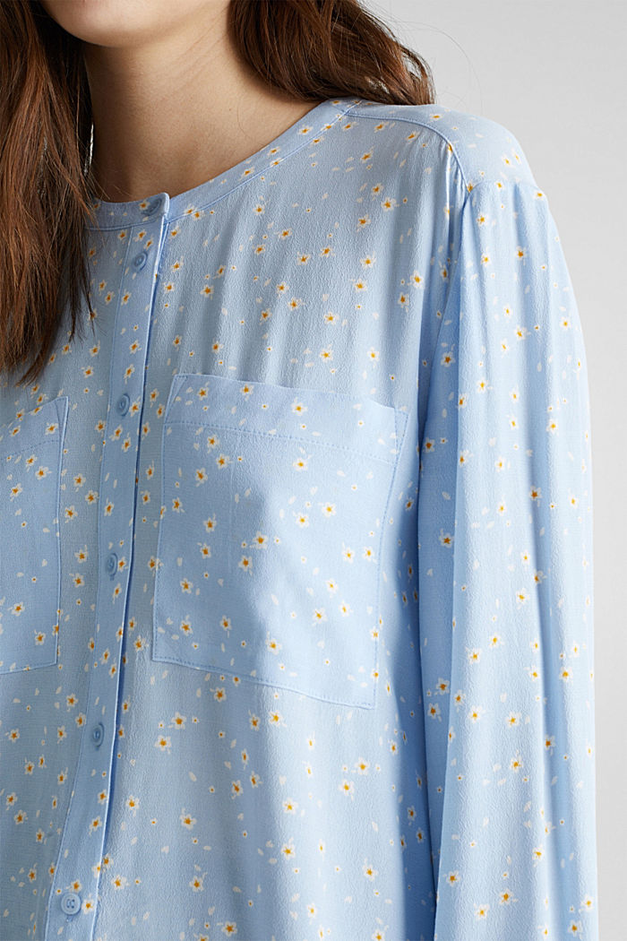 Crêpe blouse with a round neckline, LIGHT BLUE, detail image number 2