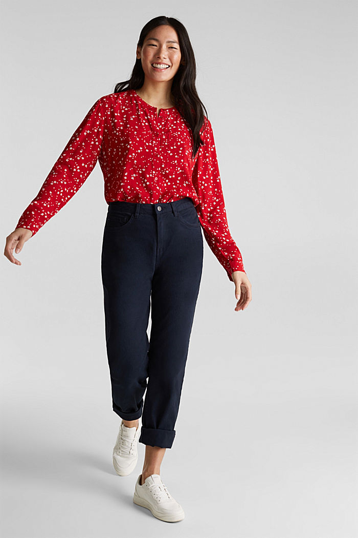 Crêpe blouse with a round neckline, RED, detail image number 1