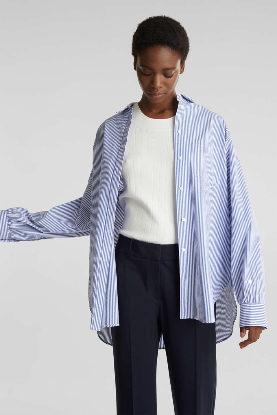 Esprit - Oversized blouse with wide turn-up cuffs