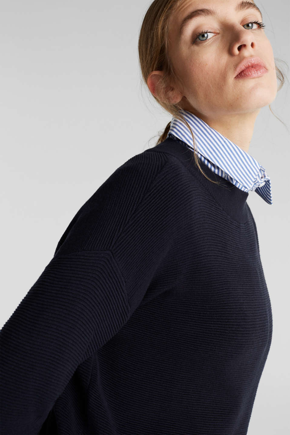 Jumper with a ribbed texture, NAVY, detail image number 6