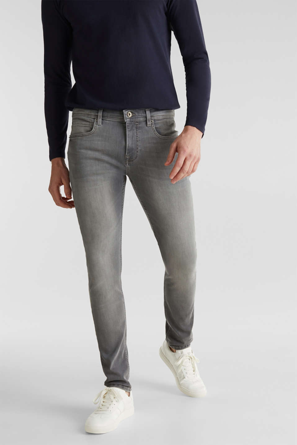 Esprit - Super stretchy jeans with washed-out effect