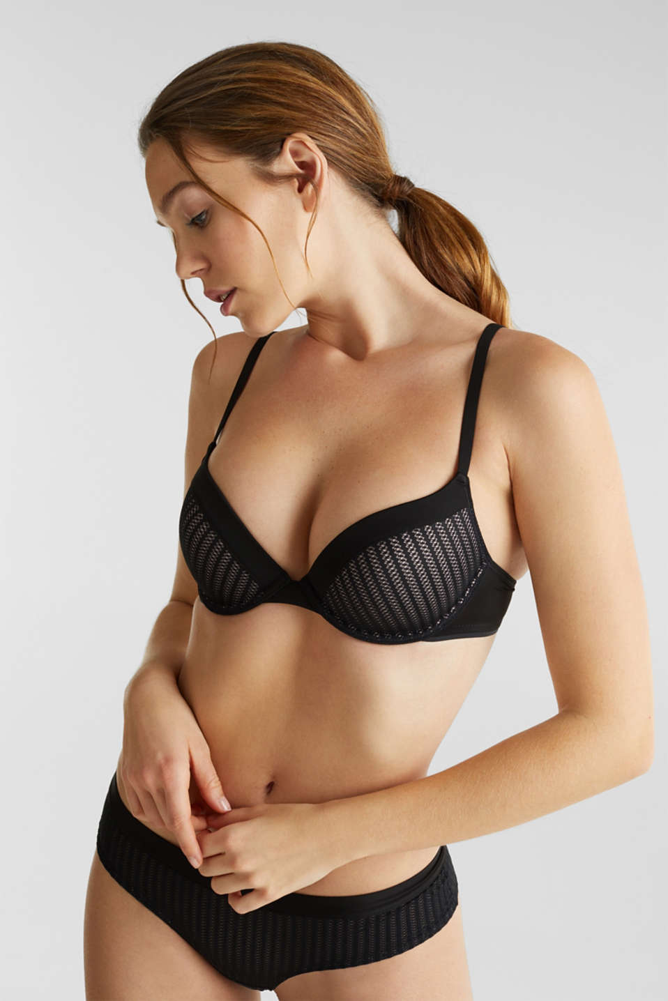 Push-up bra with an openwork pattern, BLACK, detail image number 0