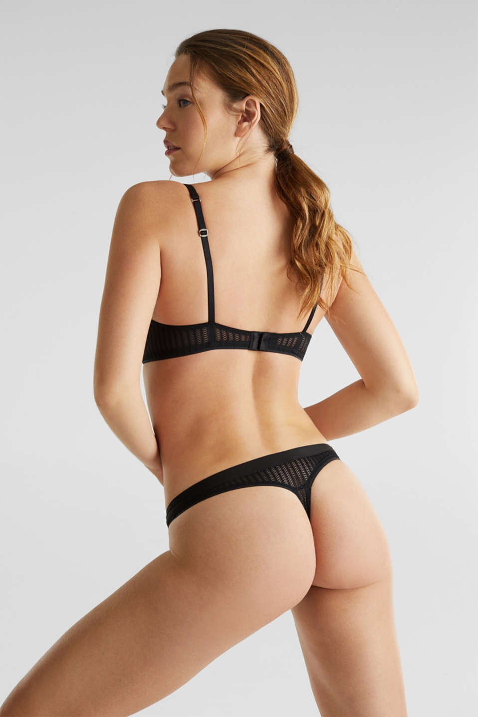 Hipster thong with an openwork pattern, BLACK, detail image number 2